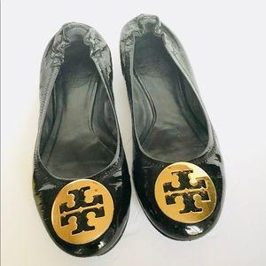 Tory Burch Patent Leather Reva Gold Logo Flats - 7